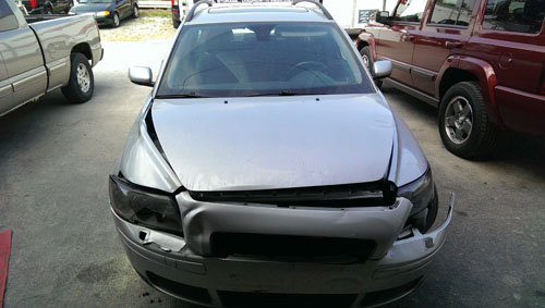 Contact Hollywood's Collision Center and let us help restore your vehicle...